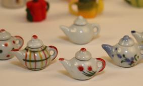Mini Monday: Miniature Teapots